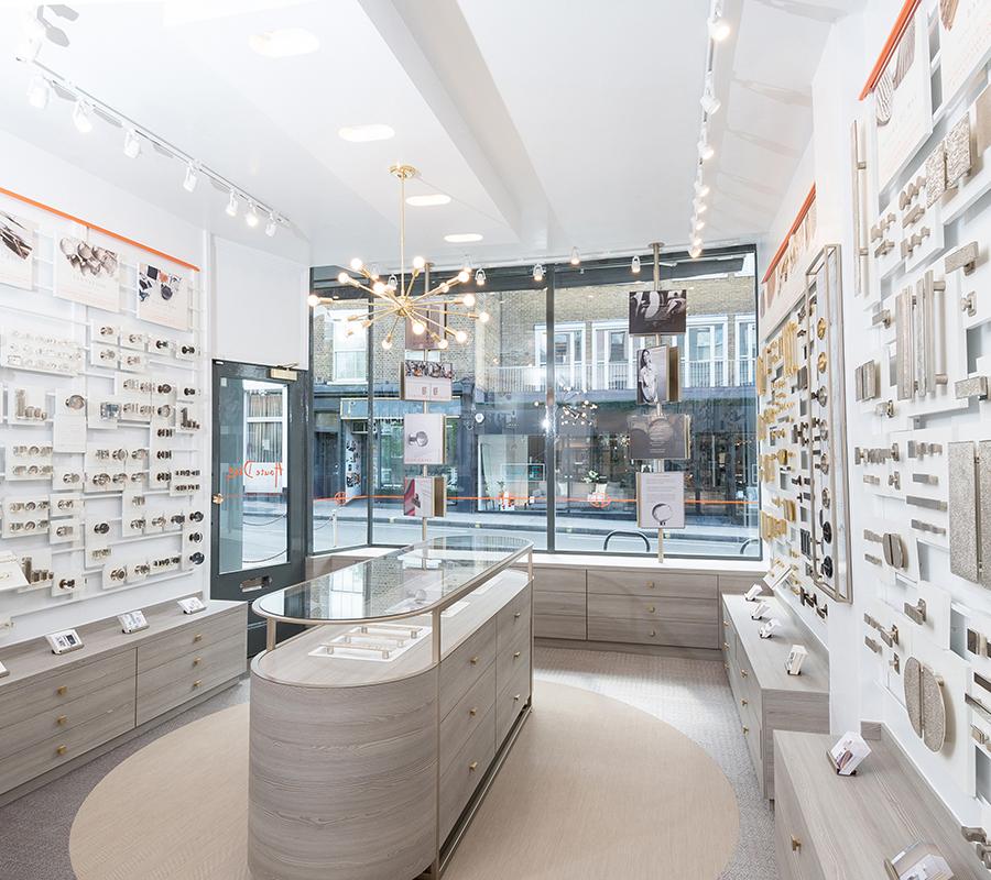 1_Luxury-Architectural-Hardware-Showroom