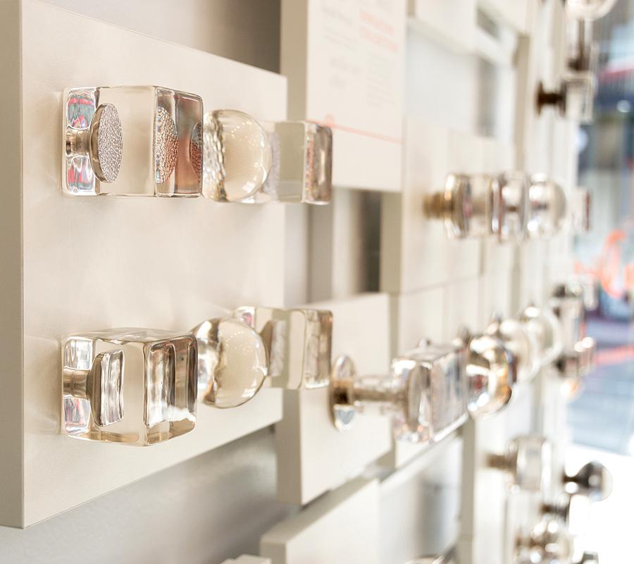 4_High-End-Glass-Doorknobs